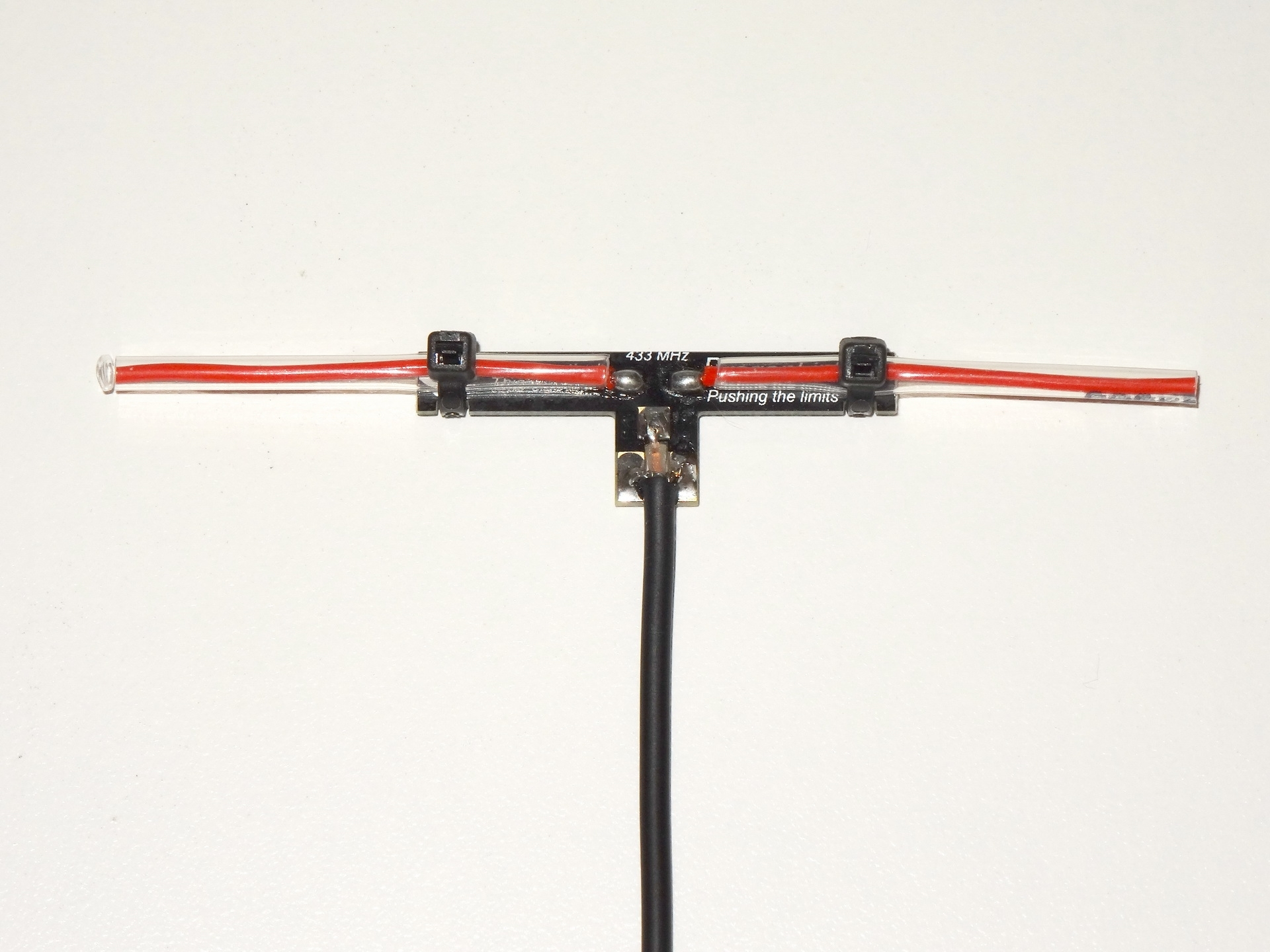 Picture of 1.2 / 1.3 GHZ Video Transmitter Antenna -  36 Inch ( 90 CM ) Super Flexible Coax Extension
